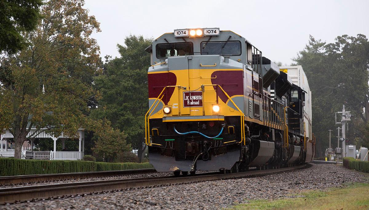 NS train 218 Thomasville,NC 10/10/13.