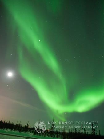 2012-03-01  Moon and Aurora