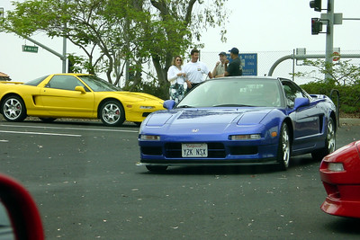 Peter joins the line of eager canyon runners in his 2000 NSX Coupe