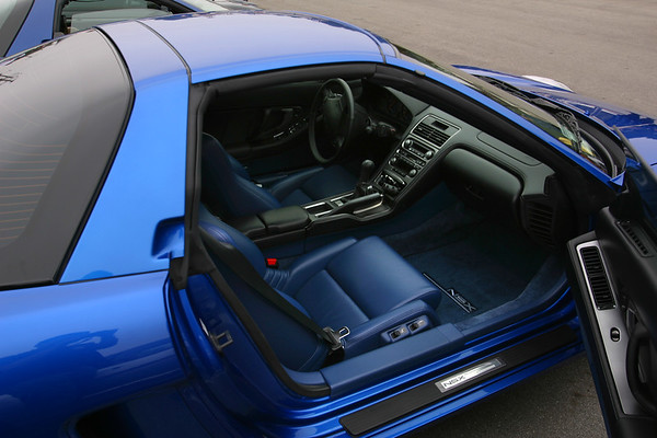 A look at the blue interior of Scott's (ss_md) Long Beach Blue 2002 NSX-T.