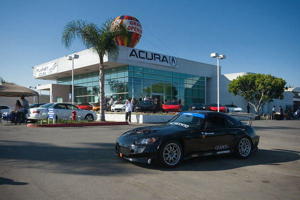 This afternoon, NSXs, S2000s, and other Acuras have been invited to Planet Acura's new Buena Park Location