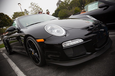 2011 Porsche 911 GT3 looks mean in black...
