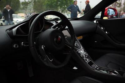 The McLaren's flappy paddle shifters