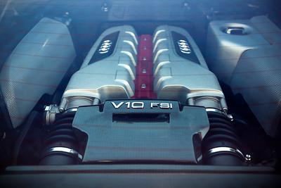 R8's V10 under glass