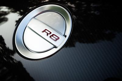 R8 gas cap and carbon fiber blade