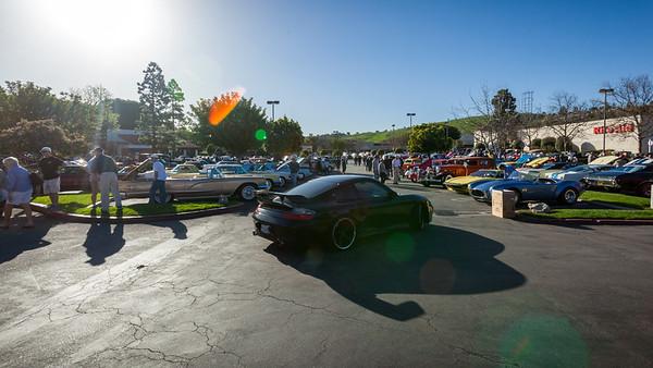 This Porsche cannot find a parking spot