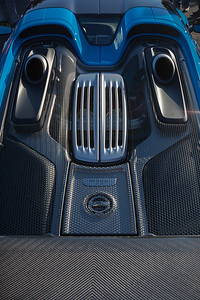 Porsche 918 Spyder...a hyrbid I would totally be into if only it was a different color