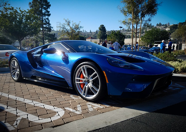 I really think Ford did a great job evolving the design with the new one...the new NSX is just not the same car