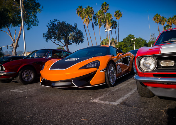 McLaren 570S squeezed by Amercian muscle