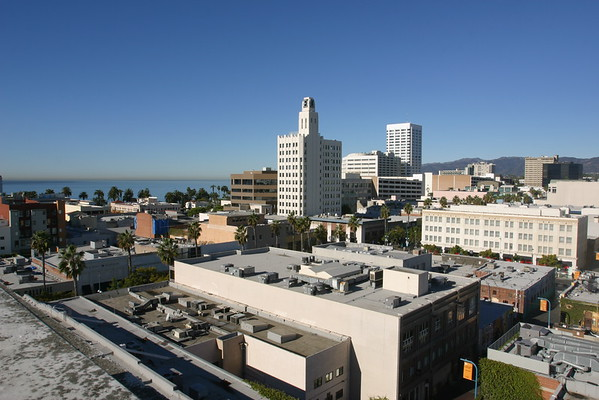 Damn, it's a clear day in Santa Monica...too bad we have to work!