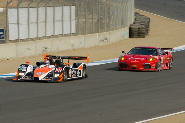 #37 Intersport Racing Lola B06/10 AER and #62 Risi Competizione Ferrari F430 GT