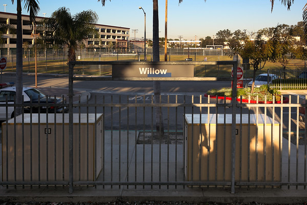 Pete decides we should try and avoid race day traffic by parking at the Willow Street Park & Ride and riding the Metro Blue Line into Long Beach