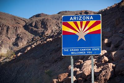 Our caravan enters Arizona
