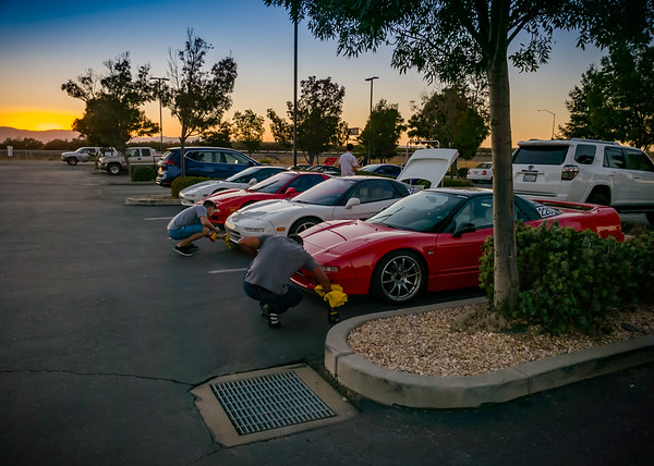Back in the lot, I spot some frantic last minute quick detailing before the sun goes away