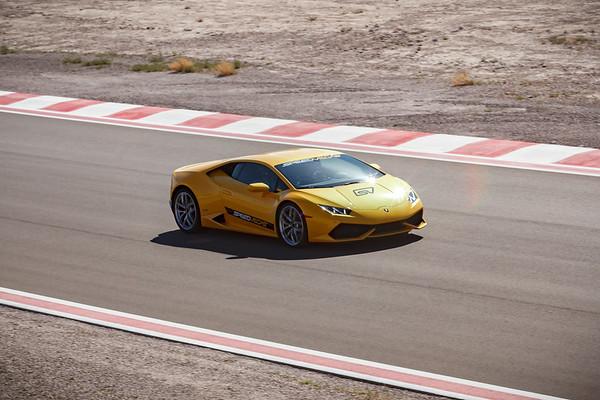 Craig enjoys a few flying laps as passenger in a Lamborghini Huracán