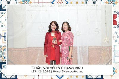 NguyenVinh-Wedding-intant-print-photo-booth-in-Ha-Noi-Chup-anh-in-hinh-lay-lien-WefieBox-Photobooth-Vietnam-008
