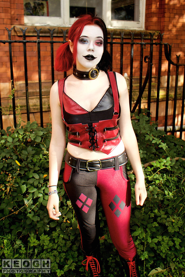 NW Cosplay Summer Meet 2016, Cosplay, Cosplayers, Female, Comics, DC Comics, Comics, Video Games, Animation, Cartoons, Harley Quinn, Puddin, Mr J, Batman, Suicide Squad, Harleen Qunizel, Arkham City, Arkham Asylum, Arkham Origins, Arkham Knight, Goth City Sirens, Gothan, Shirt, Pants, Trousers, Belt, Grills, Corset, Bra, Necklace, Red, Black White, Green, Brown, Silver, Park, Trees, Grass, Leaves, Building, Green, Brown