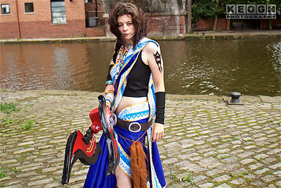 NW Cosplay Summer Meet 2016, Cosplay, Cosplayer, Female, Video Game, Final Fantasy XIII, Final Fantasy XIII-2, Fang, Oerba Yun Fang,  Heroine, Dress, Robes, Tops, Sandals, Belt, Staff, Spear, Gloves, Bracelet, Necklace, Tattoo, Black, White, Blue, Red, Yellow, Gold, Silver, Brown, Canal, Canal Bridge, Cobbles