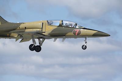 Czechoslovakian L-39 Albatros piloted by Larry Labriola (Sandy Tambone www.sandytambone.com)
