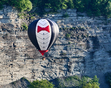 Balloon in Letchworth Gorge 1