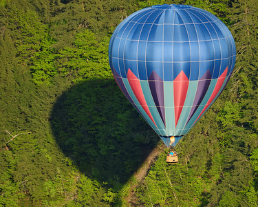 Hot-Air Balloon in Flight 3 - M