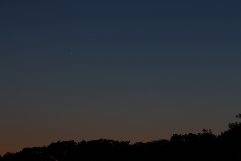 Venus,Jupiter,Mercury conjunction<br /> May24,CanonT3,f8,1/2sec,iso200,135mm<br /> Near Humber River & Queensway<br /> By Alex Dolnycky
