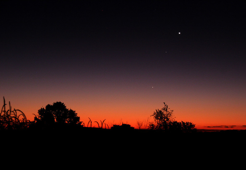 "Venus, Saturn and Mercury, Oct 11, 2009 7:06 EDT, Canon 20Da, 48mm f/5, ISO 800 1"" exposure.  Taken from Sandy Flats overlookng the corn field to the east of my house.   Andreas Gada"