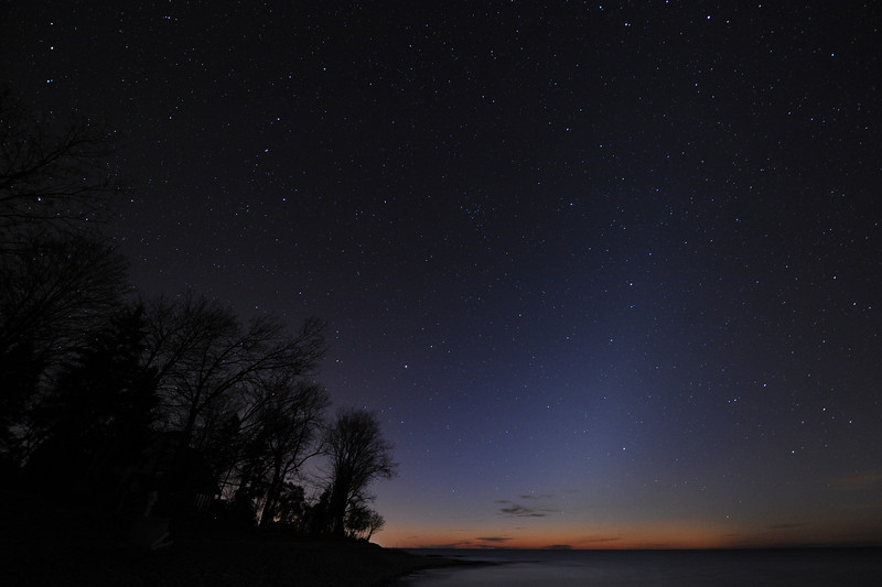 Grafton Ontario, looking east over Lake Ontario. Around 5:30am the Zodiacal Light was picked up in 25 second image, iso 1600, 14mm full frame Nikon D3 f 3.2<br /> Malcolm Park
