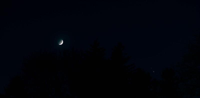 Cresent moon near Saturn and Jupiter December 17,2020