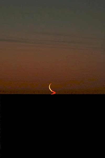 27 Day Moon rising over L Ontario at dawn. Canon 50D and 200mm f2.8 lens. Lynn Hilborn<br /> Whistle Stop Obs. Grafton, Ontario