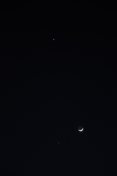 Close up of  Moon, Venus, and Jupiter grouping on evening of March 25, 2012.  Photo taken from Whitby, Ontario.