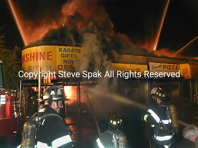 010-6-25-01-Bronx 3rd Alarm-E Tremont & Frisby Ave-Taxpayer