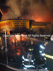 007-6-25-01-Bronx 3rd Alarm-E Tremont & Frisby Ave-Taxpayer