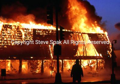 007-77-22-3073-Bagel Nosh Fire