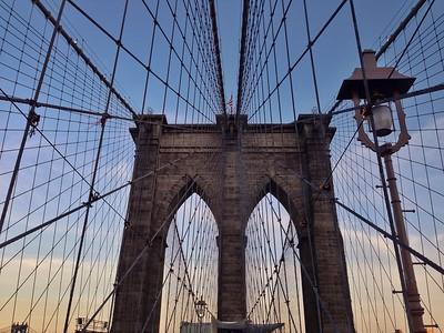 Sun beginning to set along the Brooklyn Bridge3