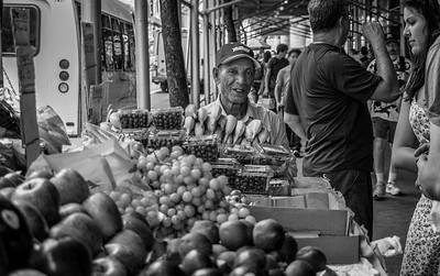 Fruit Vendor, Times Square