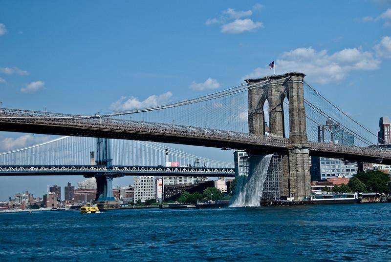 Brooklyn Bridge, Waterfalls