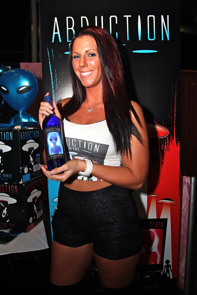 Abduction Wine, Exxxotica 2012