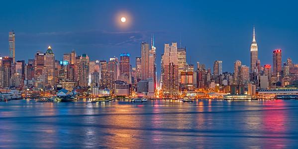 Midtown full moon