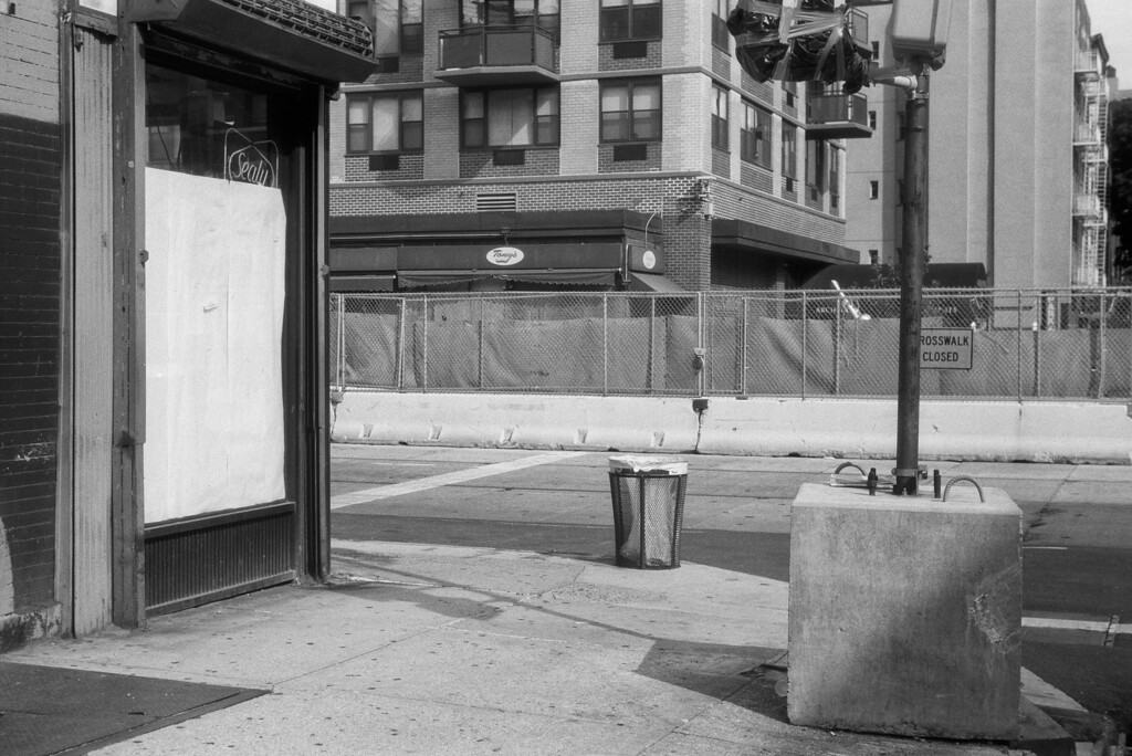 NYC, Upper East Side, August 2011, Tri-X 400, iiif Summar