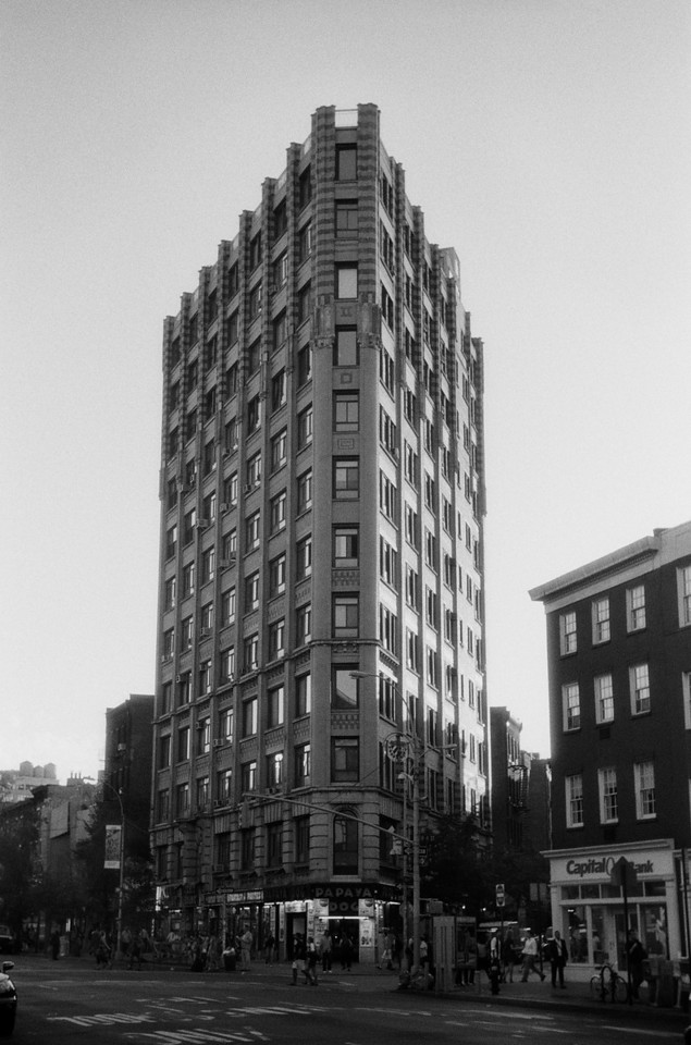 NYC, West Village, September 2011, Tri-X 400, iiif Summar