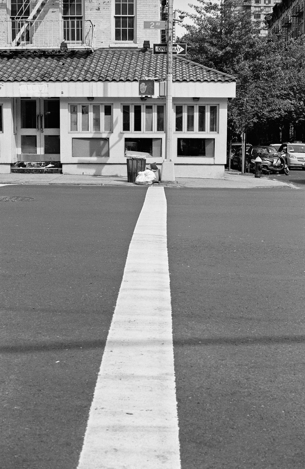 NYC, Upper East Side, June 2011, Tri-X 400, BT 50mm