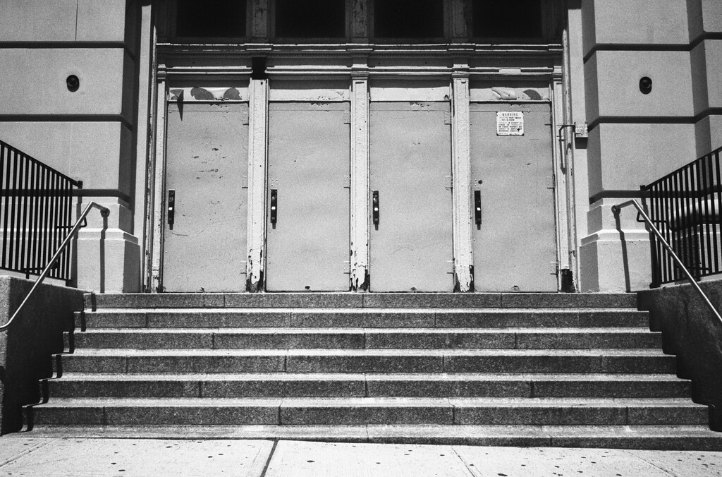 NYC, Upper East Side, May 2011, Tri-X 1600, RM2 35mm