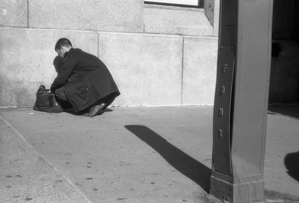 NYC, Upper East Side, October 2011, Tri-X 400, iiif Summar