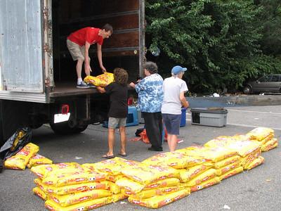 2012-09-08 - Food Giveaway