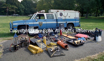 014-NYPD-ESU-REP-2 Truck-With Equipment