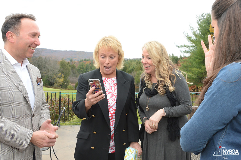 Dottie Pepper reacts to photo from friend