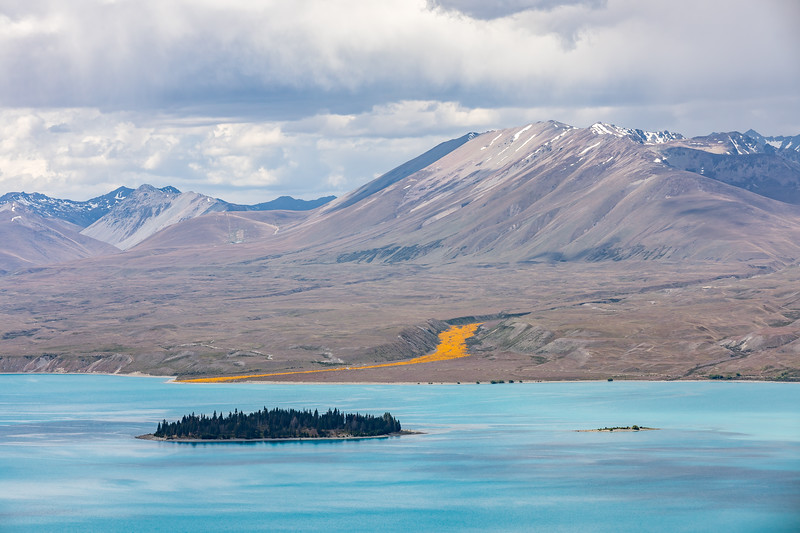 View over Lake Tekapo from Mt John