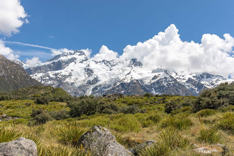 Clouds, snow and mountains in Aoraki/Mount Cook National Park