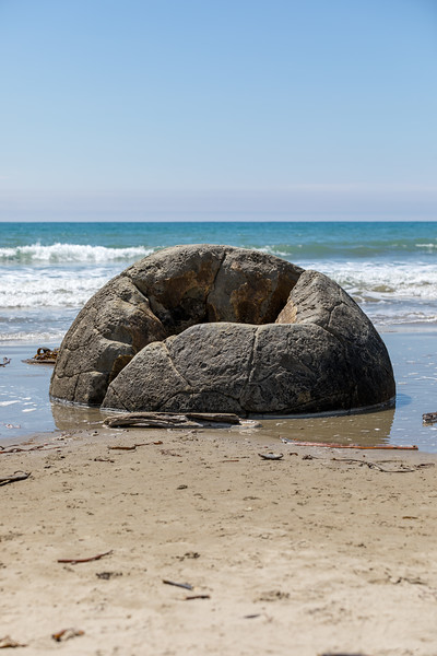 Hollow Moeraki Boulder